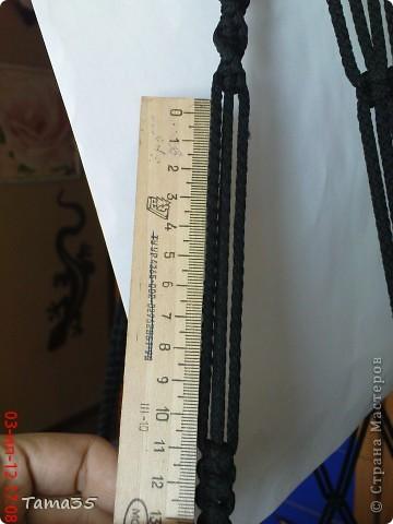 Здесь первая часть ( http://stranamasterov.ru/node/384896). Нарезаем шпагат на 22 отрезка все по 8 метров. по центру каждого завязываем временный узелок. фото 27