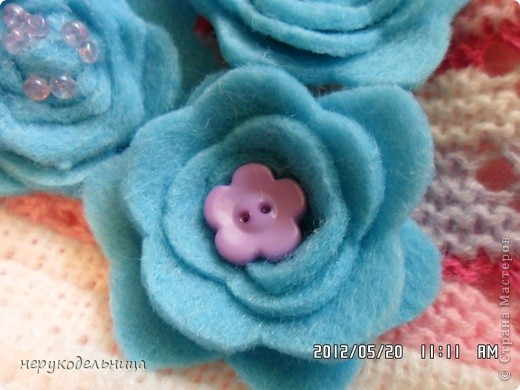 Дело было вечером.... цветочек из флиса сердцевина из сеточки. Делала для доченьки на беретку. фото 11