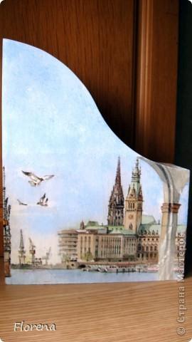 Журнальница в подарок мужу .А за что ?Просто так!)   Использовала : журнальницы из Икеи,салфетки,лак акриловый ,краски акриловые для подрисовки. фото 1