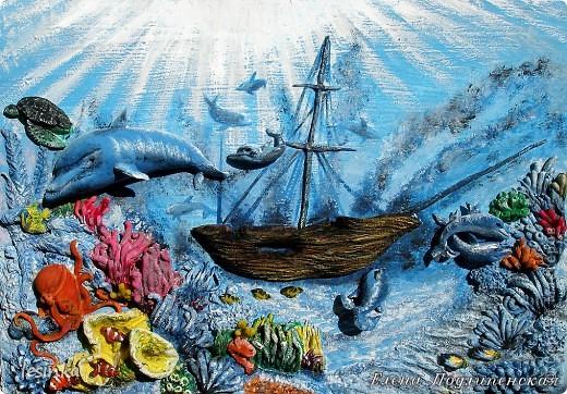 Море сказок и загадок Море синее хранит! Аромат легенд так сладок, Волшебство легенд – магнит!  Море истин, откровений, Море выдумок и тайн, Море тысяч поколений, Море сотен тысяч стран!  фото 1