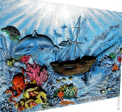 Море сказок и загадок Море синее хранит! Аромат легенд так сладок, Волшебство легенд – магнит!  Море истин, откровений, Море выдумок и тайн, Море тысяч поколений, Море сотен тысяч стран!  фото 3