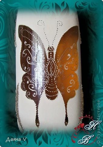 Заказ на свадьбу с тематикой бабочек... Вся свадьба в бабочках))) И зал, и машина, и букет.. Бокальчики уже выкладывала... добавлю бутылку. фото 4