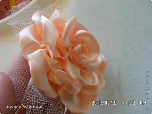 Дело было вечером.... цветочек из флиса сердцевина из сеточки. Делала для доченьки на беретку. фото 8