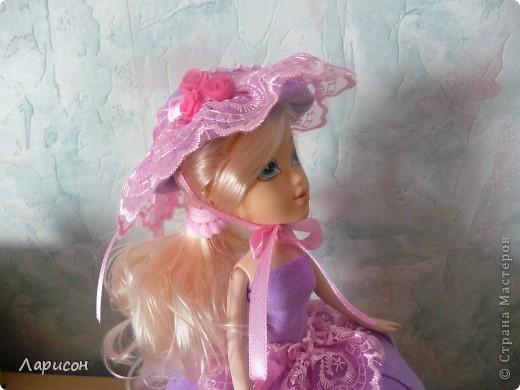 Вот такую шкатулочку сделала для  подружки Леры на день рождения.Правда кукле ещё сделали хвостик из волос и на шляпку приклеила завязочку, чтоб шляпка не слетала при открытии шкатулочки(на последнем фото) фото 6