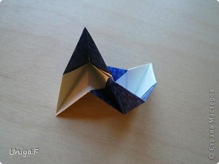 Здравствуйте!  Чтобы не откладывать в долгий ящик, выкладываю туториал на волшебника Мерлина.  Name: Merlin  Designer: Uniya Filonova  Units: 30  Paper: 10*10 cm  Final height: ~ 11,5 cm  Joint: no glue фото 17