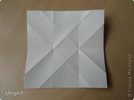 """Это- Жаклин. Почему-то она вам больше понравилась, чем Мерлин. При одинаковом размере бумаги кусудама получается меньше. Паттерн у обоих модулей одинаковый, разница только в горах-долинах.   Name: Jacqueline   Designer: Uniya Filonova  Units: 30  Paper: 10*10 cm  Final height: ~ 9,5 cm  Joint: no glue Variation of this model <a href=""""http://www.flickr.com/photos/79348234@N06/7564310502/in/photostream/"""">www.flickr.com/photos/79348234@N06/7564310502/in/photostr...</a>  модель принимала участие во флешмобе http://stranamasterov.ru/node/404901?tid=2168%2C850 фото 5"""