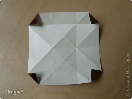 """Это- Жаклин. Почему-то она вам больше понравилась, чем Мерлин. При одинаковом размере бумаги кусудама получается меньше. Паттерн у обоих модулей одинаковый, разница только в горах-долинах.   Name: Jacqueline   Designer: Uniya Filonova  Units: 30  Paper: 10*10 cm  Final height: ~ 9,5 cm  Joint: no glue Variation of this model <a href=""""http://www.flickr.com/photos/79348234@N06/7564310502/in/photostream/"""">www.flickr.com/photos/79348234@N06/7564310502/in/photostr...</a>  модель принимала участие во флешмобе http://stranamasterov.ru/node/404901?tid=2168%2C850 фото 7"""