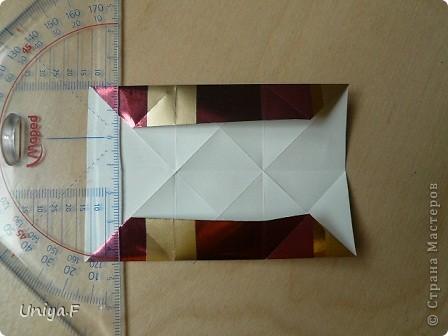 """Это- Жаклин. Почему-то она вам больше понравилась, чем Мерлин. При одинаковом размере бумаги кусудама получается меньше. Паттерн у обоих модулей одинаковый, разница только в горах-долинах.   Name: Jacqueline   Designer: Uniya Filonova  Units: 30  Paper: 10*10 cm  Final height: ~ 9,5 cm  Joint: no glue Variation of this model <a href=""""http://www.flickr.com/photos/79348234@N06/7564310502/in/photostream/"""">www.flickr.com/photos/79348234@N06/7564310502/in/photostr...</a>  модель принимала участие во флешмобе http://stranamasterov.ru/node/404901?tid=2168%2C850 фото 8"""