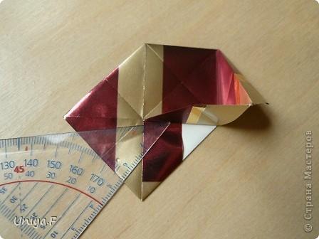 """Это- Жаклин. Почему-то она вам больше понравилась, чем Мерлин. При одинаковом размере бумаги кусудама получается меньше. Паттерн у обоих модулей одинаковый, разница только в горах-долинах.   Name: Jacqueline   Designer: Uniya Filonova  Units: 30  Paper: 10*10 cm  Final height: ~ 9,5 cm  Joint: no glue Variation of this model <a href=""""http://www.flickr.com/photos/79348234@N06/7564310502/in/photostream/"""">www.flickr.com/photos/79348234@N06/7564310502/in/photostr...</a>  модель принимала участие во флешмобе http://stranamasterov.ru/node/404901?tid=2168%2C850 фото 10"""