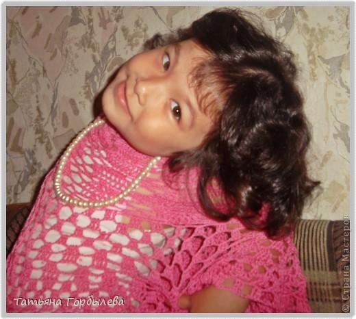 Да, этим летом у меня бурная юбкомания!!!!!! Спасибо нашей Ирине Голубке!!!!!Не так давно связала розовый топик дочке и вот можно быстро связать и юбочку, тем более такой повод, да и откладывать нет времени. фото 10