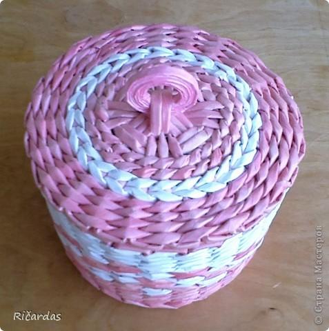 Привет всем!!! Вот такую шкатулку сделал маме на день рождения... Размер шкатулки: длина-34 см, ширина-23 см, высота 12,5 см фото 12