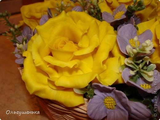 Композиция с желтыми розами фото 3