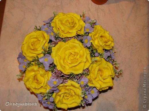 Композиция с желтыми розами фото 2