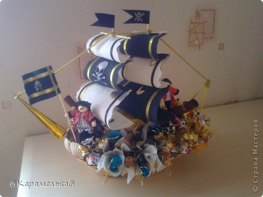 Пиратский корабль фото 1