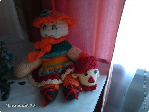 Здравствуй, Страна Мастреров! Сегодня я выкладываю на суд свои вязаные игрушки. Первая - это кукла. фото 5