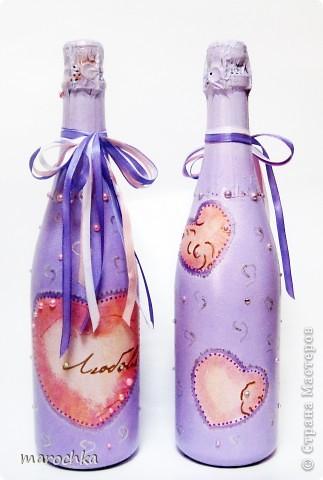 Знакомые попросили сделать им бутылки на свадьбу в сиреневых тонах. Вот что получилось. Жених с невестой остались довольны) фото 1