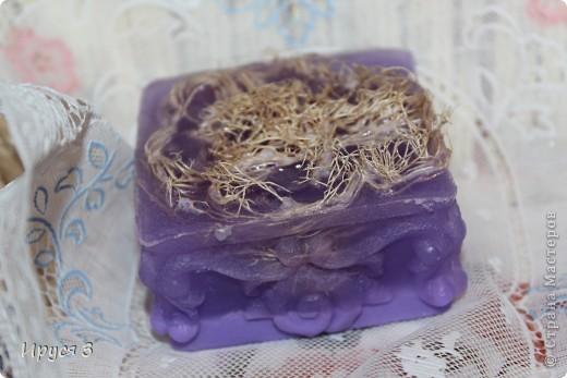 Мыльце сварила из основы , добавила хлопковое масло и аромат цветущей липы -)))  фото 17