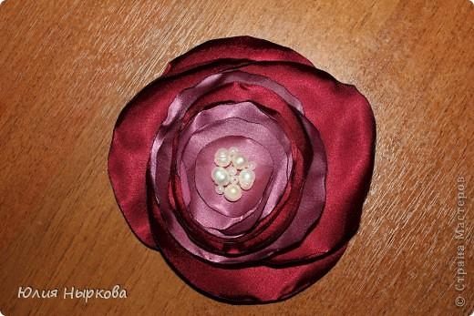 Цветок из ленты(брошка) фото 2