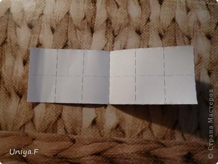 Опять я.  Модуль этой кусудамы получился, мягко говоря, странным. Но мне понравился. Если бы я могла предположить, что потом возникнут ассоциации с рыбками и плавниками, то и бумагу подобрала бы другую. А так уж, как получилось.  За предложенное название спасибо Маше Гуменюк.  Name: Delfino Designer: Uniya Filonova  Units: 30 Paper: 3,5*10,5 cm (1:3) Final height: ~ 9 cm  Joint: no glue фото 2