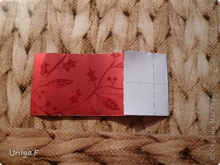 Опять я.  Модуль этой кусудамы получился, мягко говоря, странным. Но мне понравился. Если бы я могла предположить, что потом возникнут ассоциации с рыбками и плавниками, то и бумагу подобрала бы другую. А так уж, как получилось.  За предложенное название спасибо Маше Гуменюк.  Name: Delfino Designer: Uniya Filonova  Units: 30 Paper: 3,5*10,5 cm (1:3) Final height: ~ 9 cm  Joint: no glue фото 3