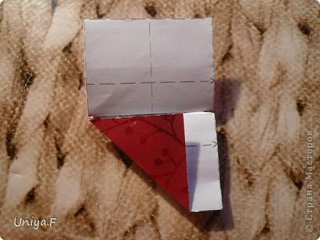 Опять я.  Модуль этой кусудамы получился, мягко говоря, странным. Но мне понравился. Если бы я могла предположить, что потом возникнут ассоциации с рыбками и плавниками, то и бумагу подобрала бы другую. А так уж, как получилось.  За предложенное название спасибо Маше Гуменюк.  Name: Delfino Designer: Uniya Filonova  Units: 30 Paper: 3,5*10,5 cm (1:3) Final height: ~ 9 cm  Joint: no glue фото 17