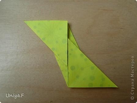 Здравствуйте все-все-все!!!  Сегодня по-быстрому выложу туториал на очередной шипастик.  Name: Donna Flor  Designer: Uniya Filonova  Units: 30  Paper: 4*12 cm (1:3) Final height: ~ 9 cm  Joint: no glue  Опытным путем доказано, что из бумаги меньшего размера (3*9 например) сделать кусудаму непросто, лепестки получаются очень маленькими и раскрываются с большим трудом. фото 14