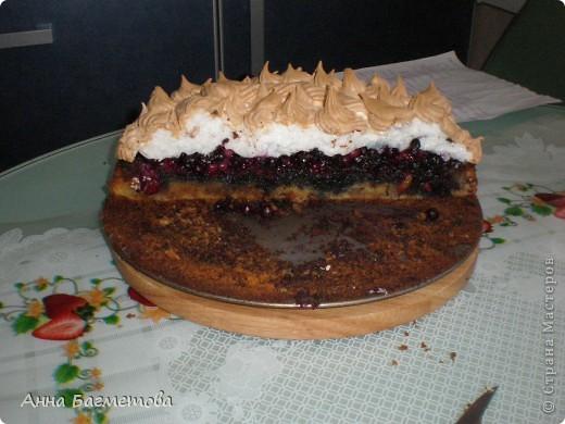 Пирог с фруктами и бизе