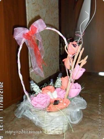 Для сладкой жизни молодых сделала букетик из конфет.... а конфетки вкуууусные. фото 3