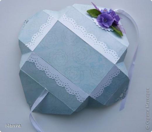 Добрый вечер! Сегодня я хочу поделиться идеей изготовления  «ленивых»  коробочек с теми, кто не любит чертить. Это коробочка для денежного подарка: так она выглядит снаружи.  фото 18