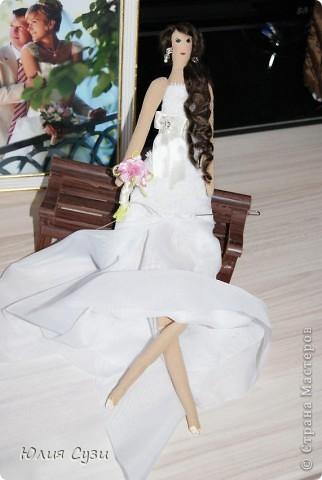 Вот такую невесту я сшила на свадьбу подруге) (жених в процессе) Хочу поделиться своим способом изготовления подобных кукол. Это мой первый мастер-класс поэтому не судите строго) фото 65