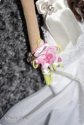 Вот такую невесту я сшила на свадьбу подруге) (жених в процессе) Хочу поделиться своим способом изготовления подобных кукол. Это мой первый мастер-класс поэтому не судите строго) фото 67