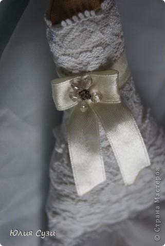 Вот такую невесту я сшила на свадьбу подруге) (жених в процессе) Хочу поделиться своим способом изготовления подобных кукол. Это мой первый мастер-класс поэтому не судите строго) фото 36