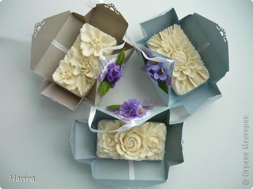 Добрый вечер! Сегодня я хочу поделиться идеей изготовления  «ленивых»  коробочек с теми, кто не любит чертить. Это коробочка для денежного подарка: так она выглядит снаружи.  фото 6