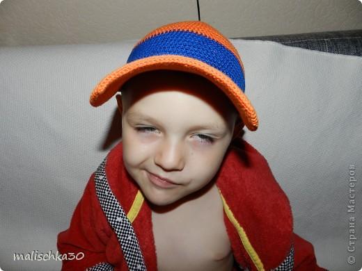 Сынуля выбражает в новой кепке -бейсболке фото 4