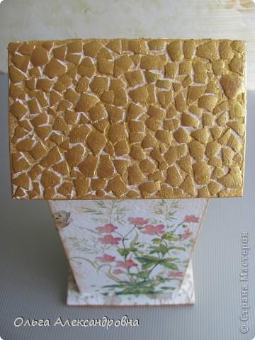 Здравствуйте, дорогие мастерицы и мастера. Наконец - то я сделала чайный домик( в подарок близким людям). Делала первый раз, поэтому прошу совета: как оформляется внутри домика, красится определенным цветом или остается дерево не крашенным? фото 2