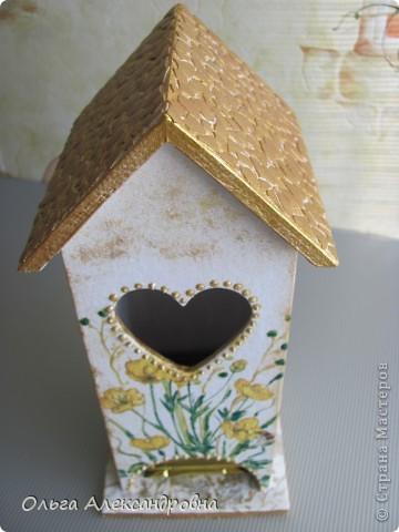 Здравствуйте, дорогие мастерицы и мастера. Наконец - то я сделала чайный домик( в подарок близким людям). Делала первый раз, поэтому прошу совета: как оформляется внутри домика, красится определенным цветом или остается дерево не крашенным? фото 8