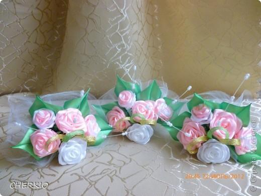 Насмотрелась на работы мастеров и решила попробовать сама сделать букет- дублёр для невесты.получился вот такой букет. фото 6