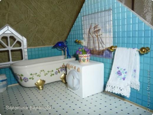 Ванная комната в самодельном домике. Пока дом без крыши. Етот интерьер пока что единственный доведеный до конца, до мелочей. Начинаем экскурсию! фото 3