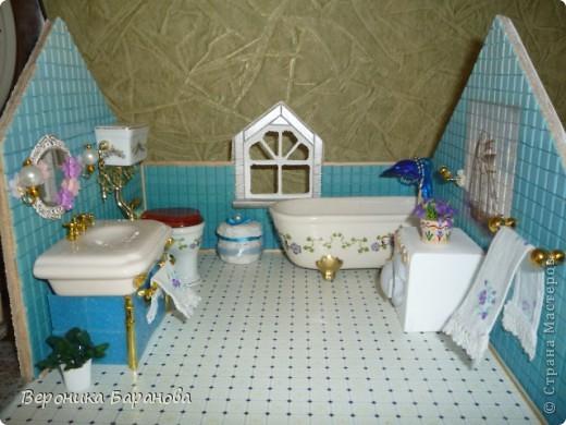 Ванная комната в самодельном домике. Пока дом без крыши. Етот интерьер пока что единственный доведеный до конца, до мелочей. Начинаем экскурсию! фото 1