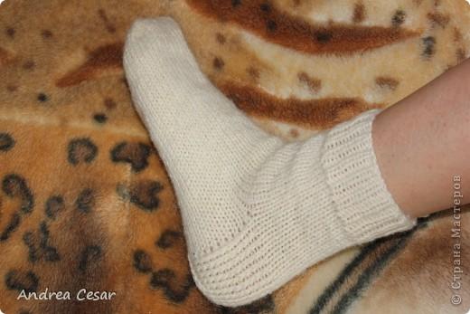 свершилось! наконец-то (с третьей попытки) я угадала с размером, и вот он мой первый носок) фото 2