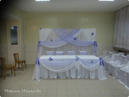 Свадебный сезон у меня начался с большого количества заказов по оформлению залов в бело-фиолетовом и бело-сереневом цветах. Так как все оформление у меня модульное, стоит изменить хотя бы что-то одно и вся композиция уже смотриться совсем по другому. фото 3