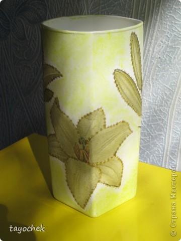 Сотворилась такая вазочка из обыкновенного стеклянного стакана и довольно невзрачной на вид салфетки фото 2