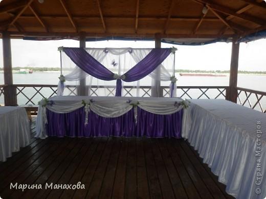 Свадебный сезон у меня начался с большого количества заказов по оформлению залов в бело-фиолетовом и бело-сереневом цветах. Так как все оформление у меня модульное, стоит изменить хотя бы что-то одно и вся композиция уже смотриться совсем по другому. фото 7