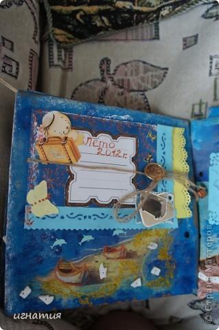 год лежала обложка и только сейчас решила сделать странички,он еще немного не доделан,но хочу вам показать.Огромное спасибо всем девочкам за подарки ,использовала их в оформлении,благодарю вас!!!!!!!!!!!!!!!!! фото 8