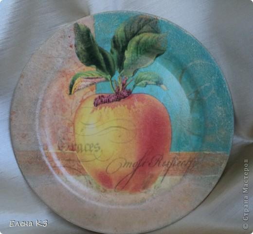 А сегодня у меня яблочки на тарелочках. Это первая. фото 2