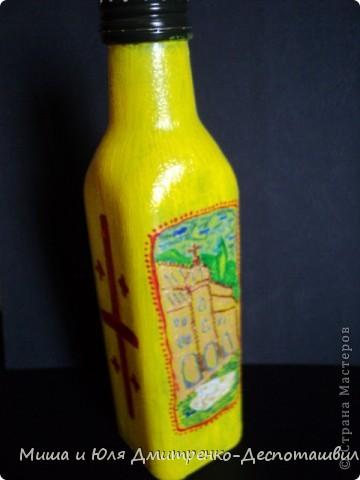 Бутылочка маленькая из-под оливкового масла. Впервые рисовала на бутылке, так что не судите строго.  С лицевой стороны изображен вид старого Тбилиси фото 4