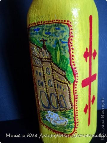 Бутылочка маленькая из-под оливкового масла. Впервые рисовала на бутылке, так что не судите строго.  С лицевой стороны изображен вид старого Тбилиси фото 5
