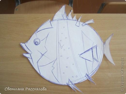 Для моей задумки (ремонт в кабинете психолога) нужны летающие рыбки. Начала с эскиза фото 3