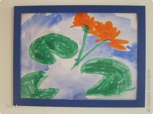 лилии-сначала рисовали пастелью зветы,а фон позже делали акварелью фото 1