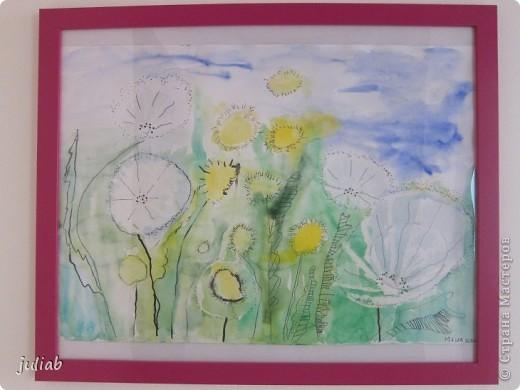 лилии-сначала рисовали пастелью зветы,а фон позже делали акварелью фото 2